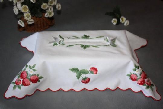 Cache boite à mouchoirs brodé main