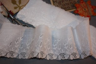 Broderie anglaise ancienne