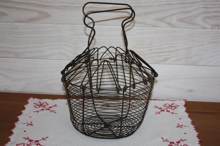 Ancien panier salade en fil de fer la po sie du pass for Porte ustensiles de cuisine ancien