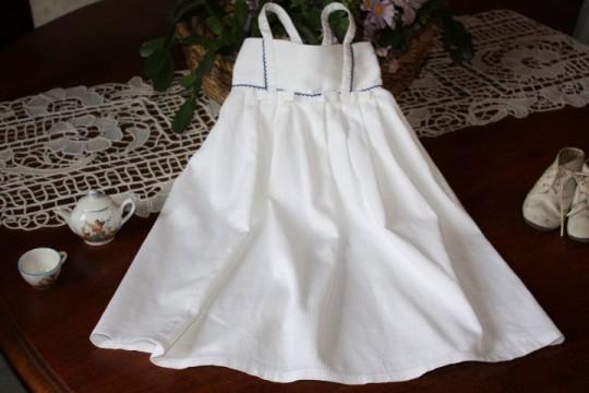 Ancien cache maillot de bébé