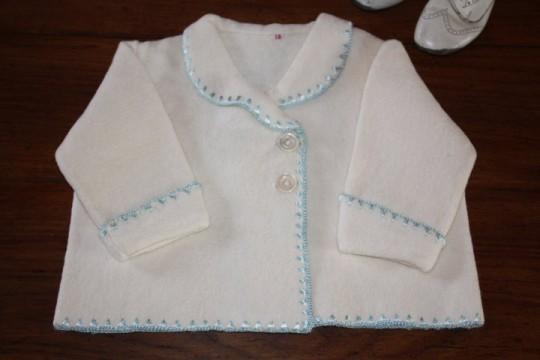Manteau de bébé  (linge ancien)
