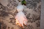 Création shabby en linge ancien : pompon