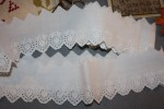 Broderie anglaise ancienne  (belle qualité)